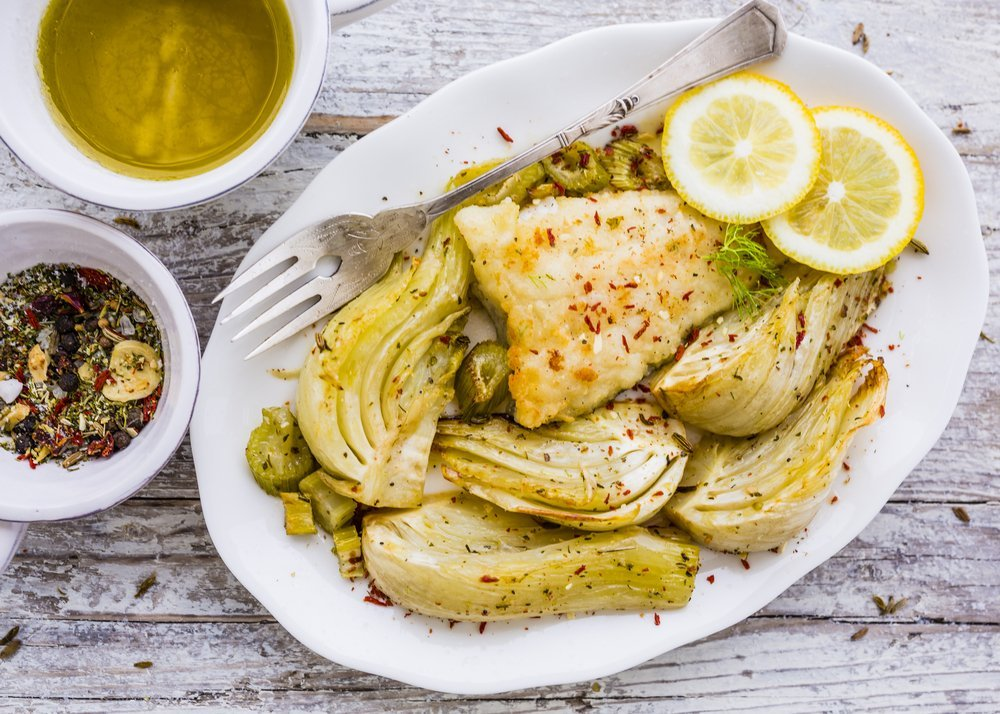 Baked fennel with herbs and fish