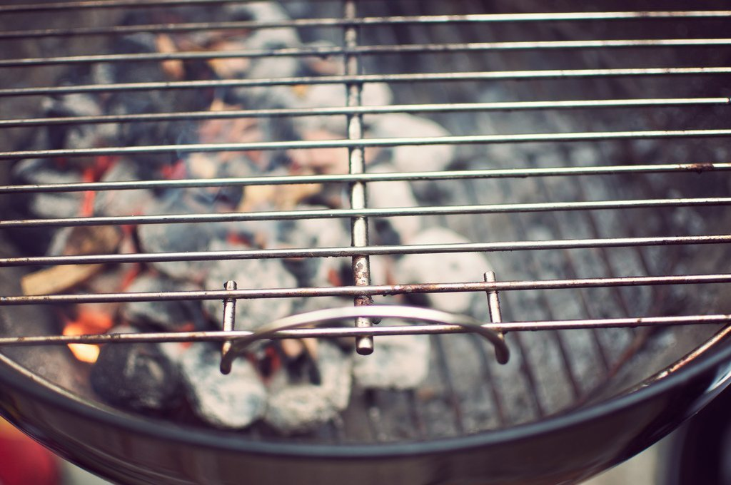 barbecue clean grill