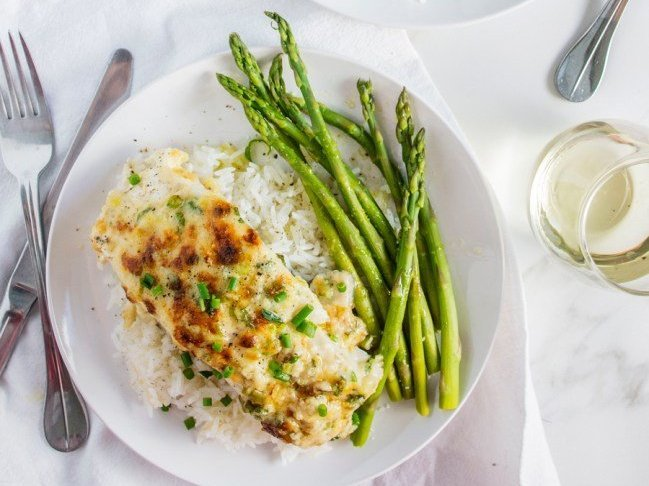 Baked fish with asparagus