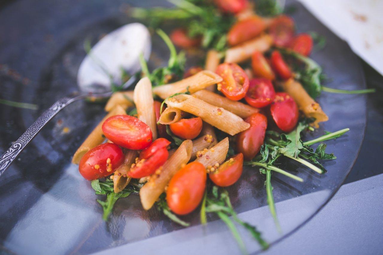 Healthy salad treating food addiction