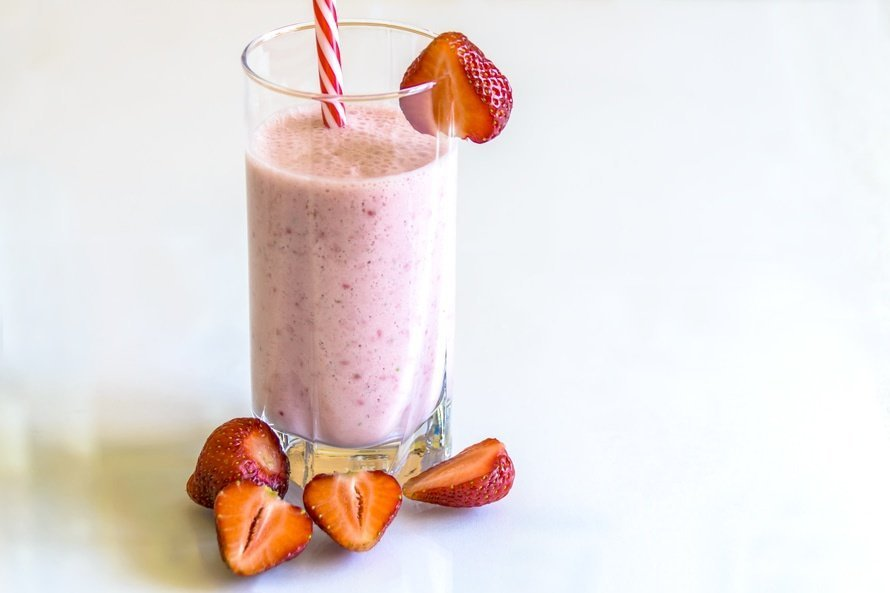 Healthy Strawberry Smoothie Cold Treat