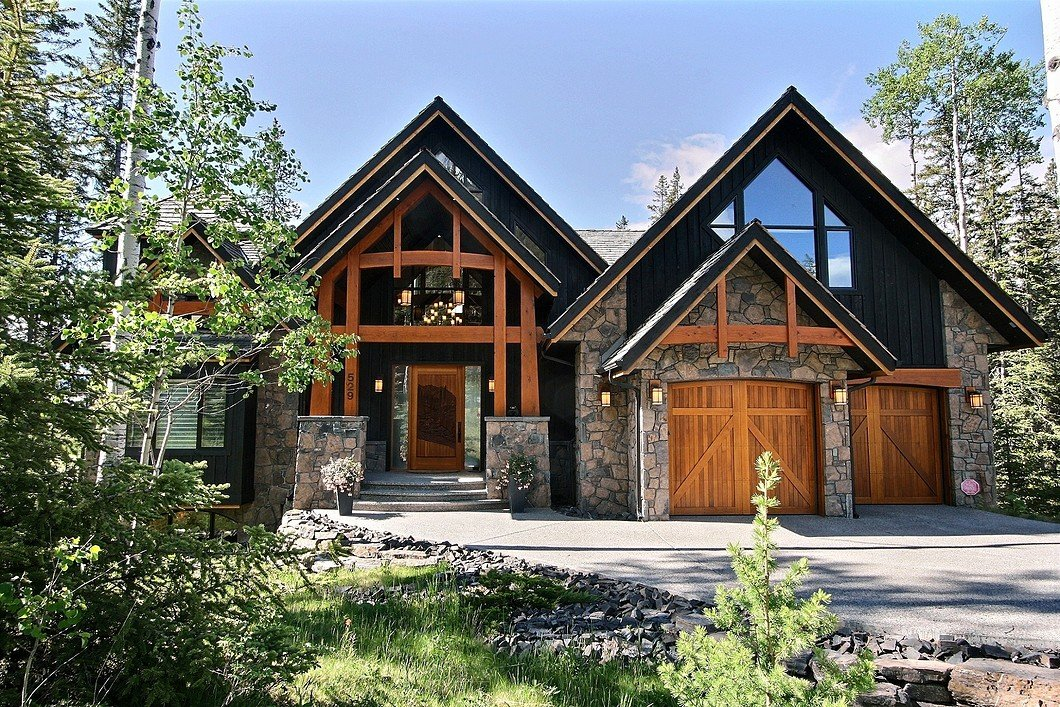 Grounds at 529 Silvertip Pointe, Canmore, AB