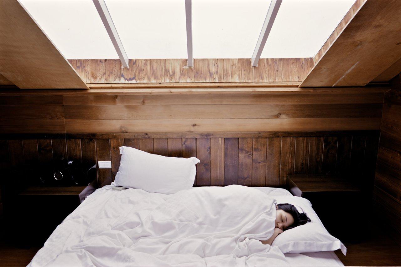 erratic sleep patterns symptoms mental health