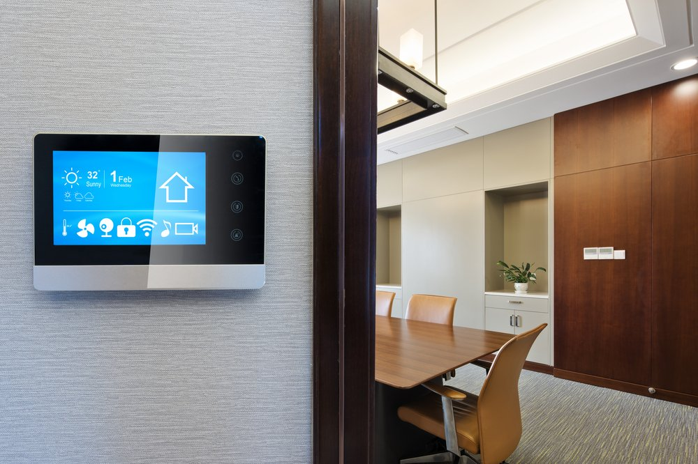 Smart screen to book meeting room in office space