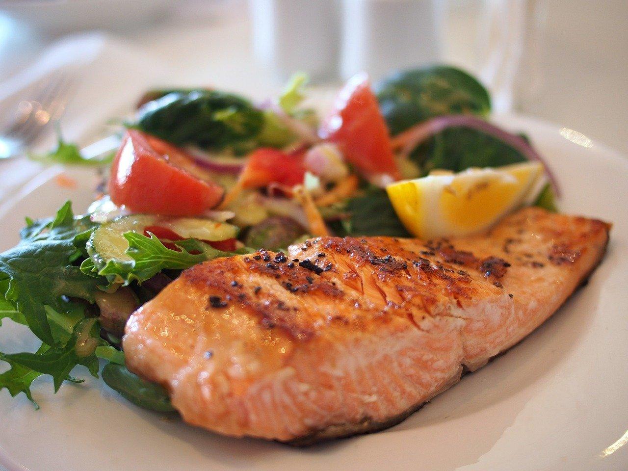 salmon salad mediterranean diet