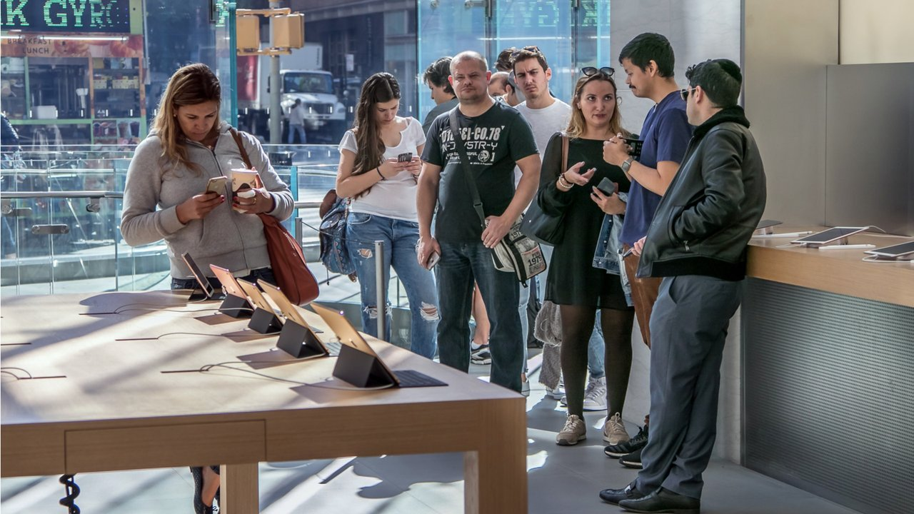 people browse apple phones