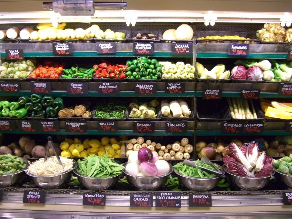 8 Zero Waste Grocery Stores From Around The World