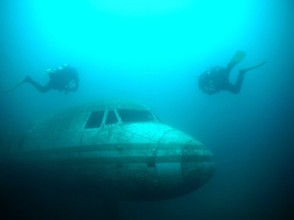offs helicopters with C25b2 Great Dive Sites In England on Fast Rc Boat Recoil Brushless additionally Jambojet Adds Second Dash 8 Q400 Aircraft Fleet as well Royal Navys New 3m Aircraft Carrier Big Lizzie Prepares Set Sail US also Skylark as well Bell ah1z viper attack helicopter.