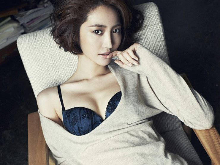 តារាសម្តែង នាង Go Joon Hee បង្ហាញរូបសិចស៊ី១២សន្លឹក បង្អួតអ្នកគ្រាំទ្រ