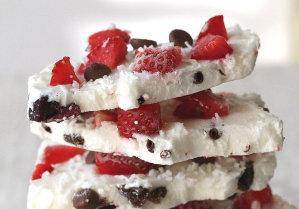 Yogurt bark Mediterranean diet dessert