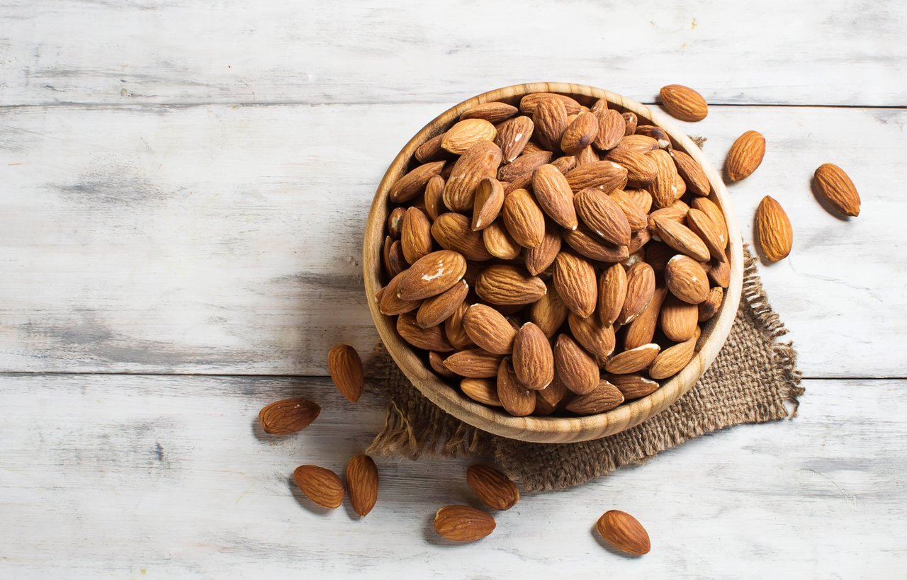 almonds mediterranean diet foods