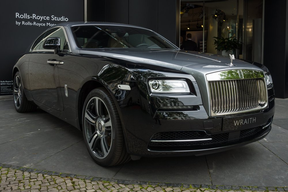 why do we have an enduring fascination with rolls royce discover luxury. Black Bedroom Furniture Sets. Home Design Ideas