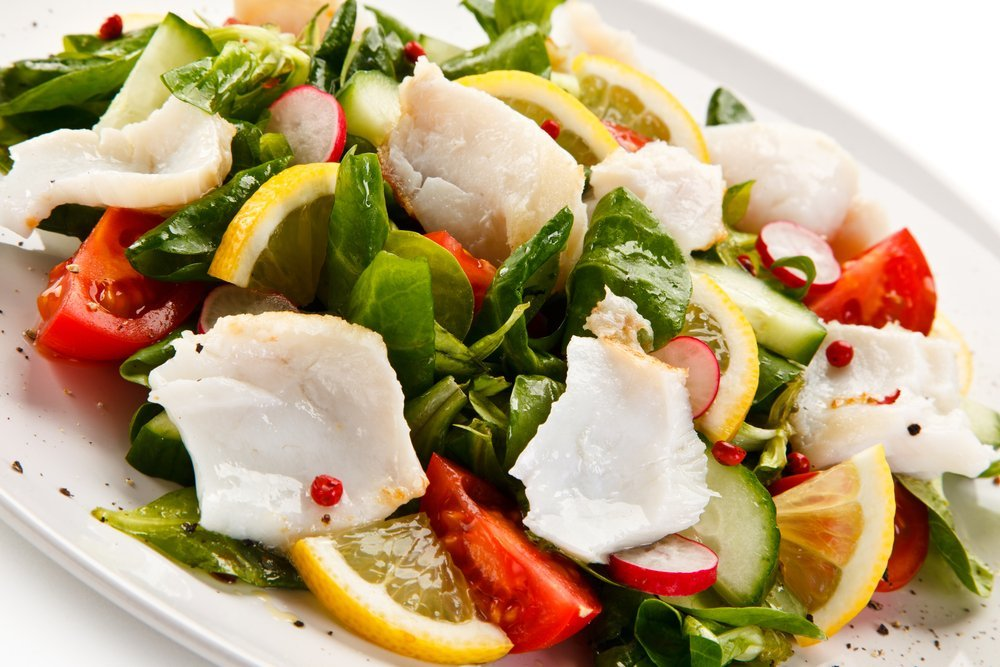 Fresh and easy salad with white fish