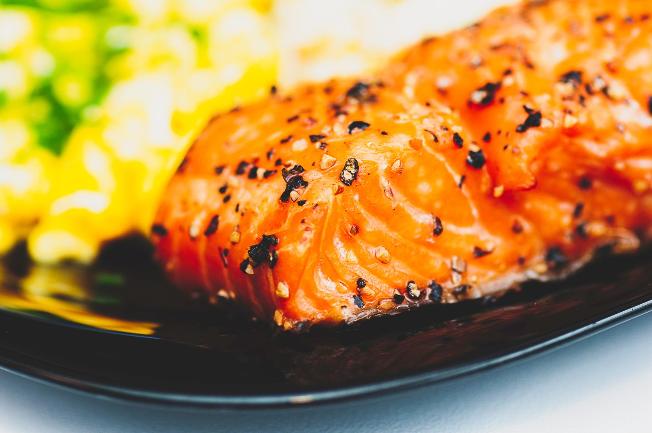 salmon healthy skin food