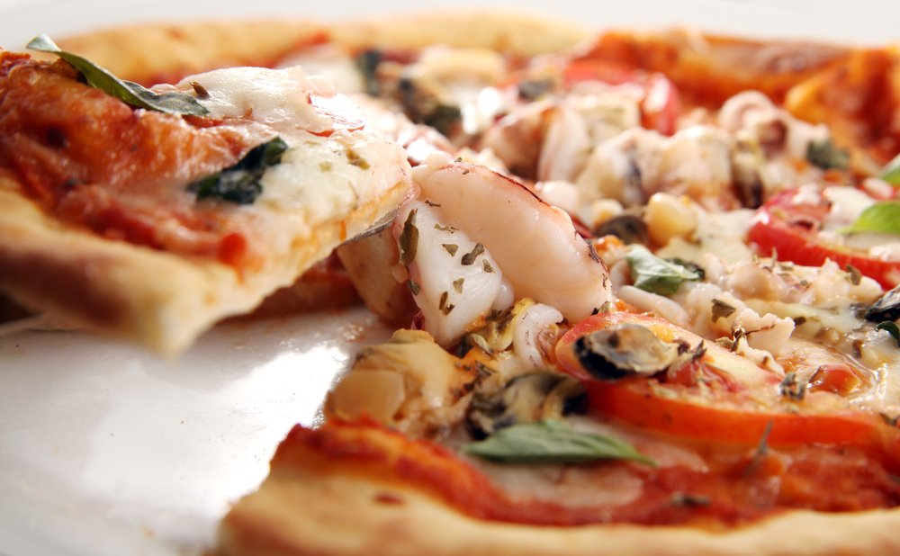 How to Make a Seafood Pizza