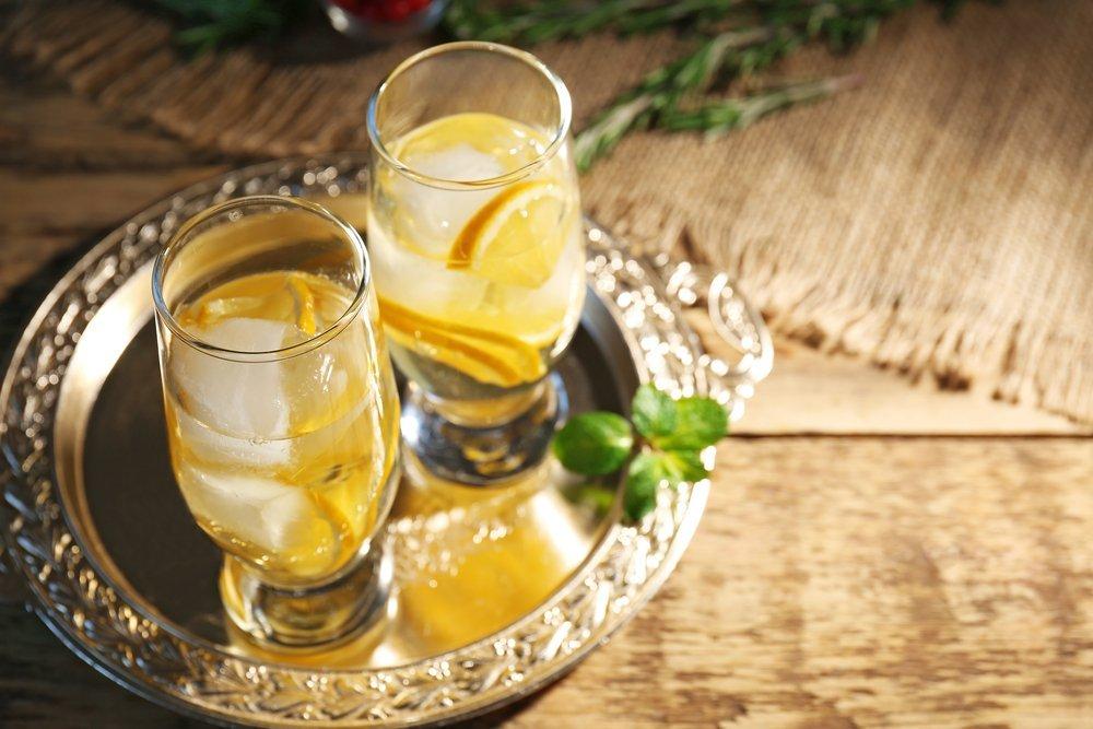 White Wine Spritzer Holiday Cocktail